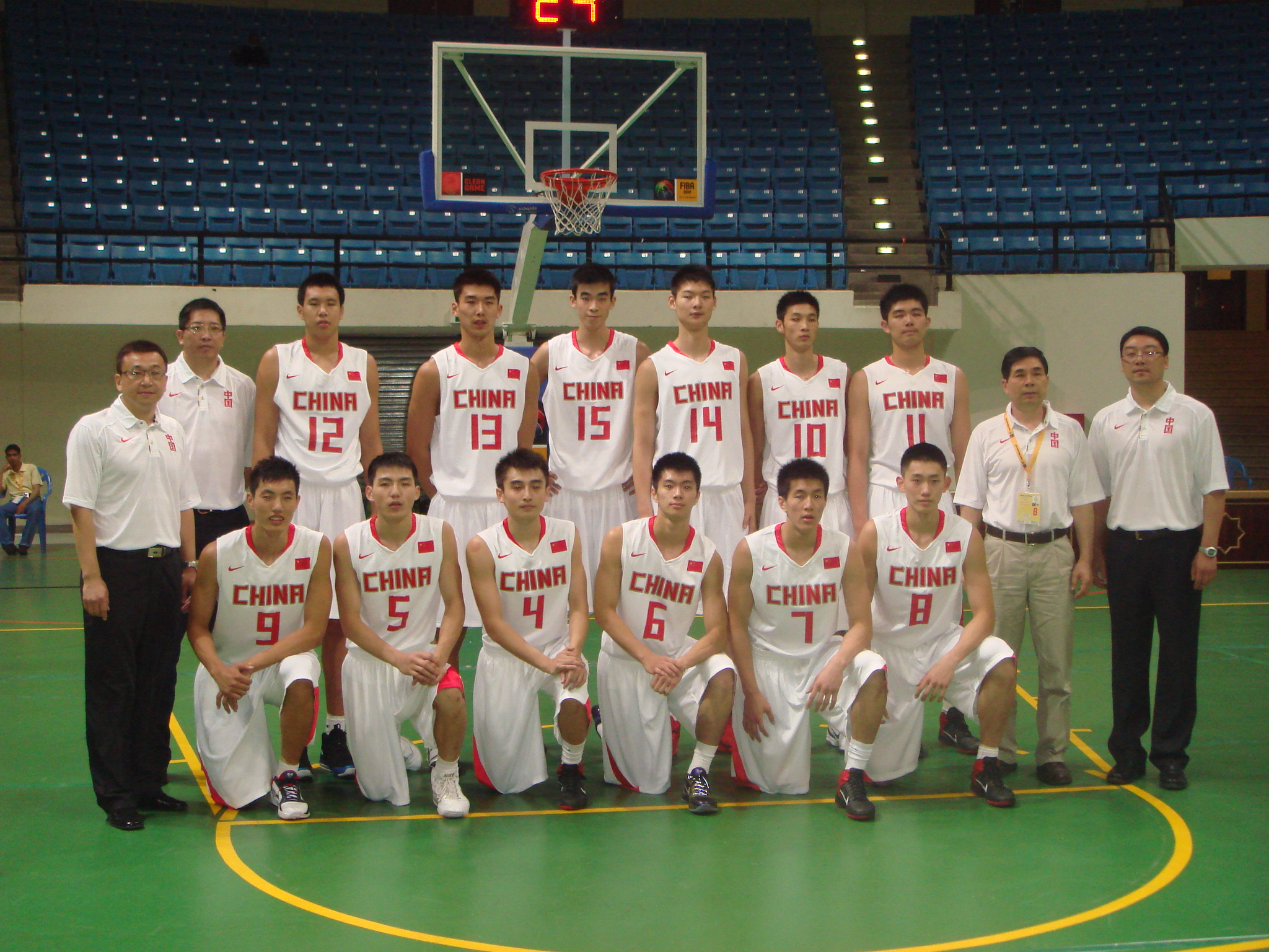 2010年世青赛U17国青队合影.JPG